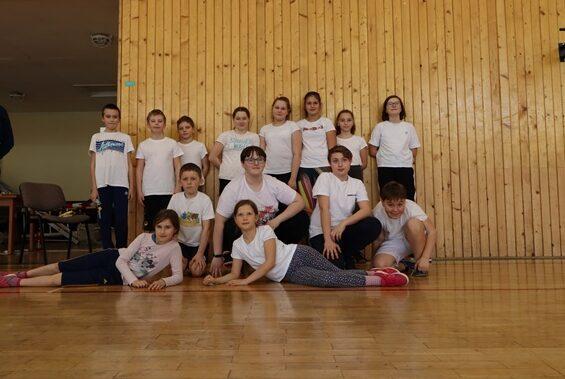skupina dětí