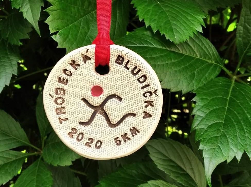 keramická medaile z Tróbecké bludičky 2020